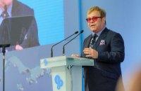 Пранкеры признались в розыгрыше Элтона Джона от имени Путина