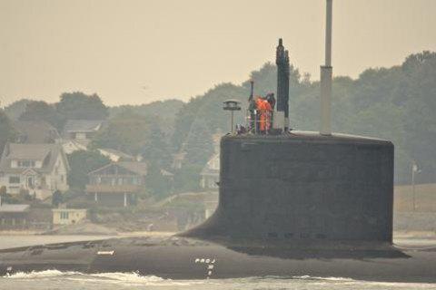 С пропавшей в Атлантике подводной лодки пытались позвонить 7 раз