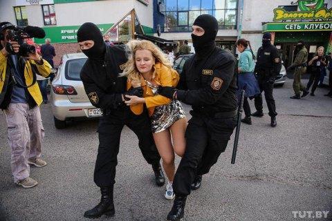 В сети опубликовали данные тысячи белорусских силовиков, которые задерживали митингующих