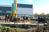 ТРЦ в Одессе пообещал восстановить забор воинской части после завершения строительства