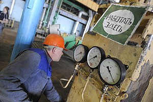 Мер молить Азарова про подачу гарячої води