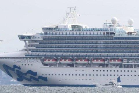 У 14 евакуйованих з лайнера в Японії американців виявили коронавірус