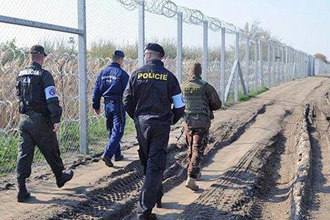 Орбан сказал о завершении строительства забора награнице Венгрии