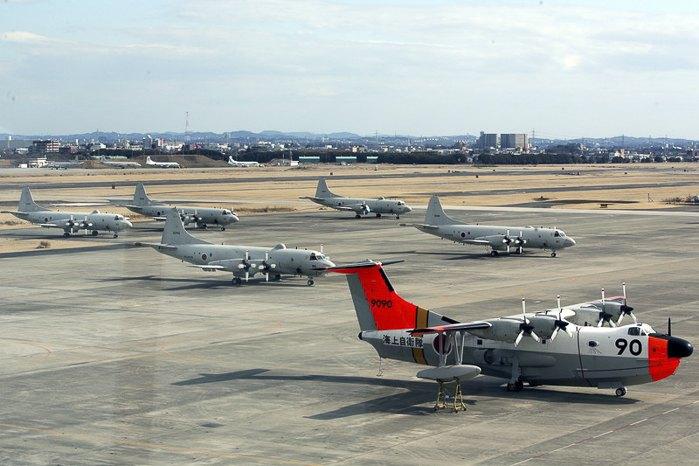 Авиация для поражения подлодок Японской авиационной самообороны на военно-морской базе Aцуги, Япония.