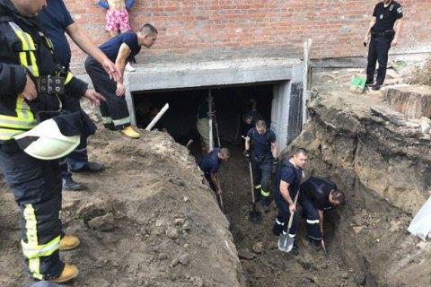 У Києві через обвал ґрунту на будмайданчику загинув чоловік
