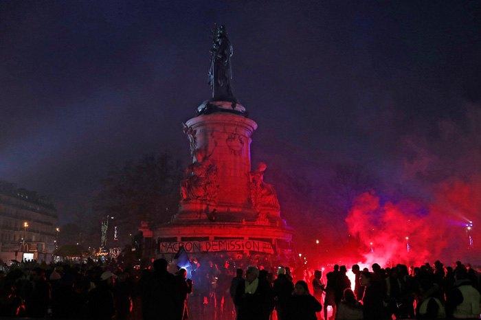Площадь Республики во время акции «Желтых жилетов», Париж, 26 января 2019.