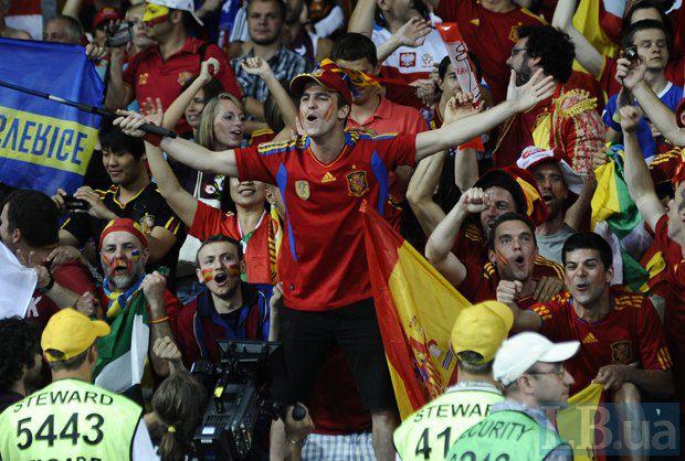 На финальные игры Евро-2012 в Украину приехали тысячи иностранных болельщиков