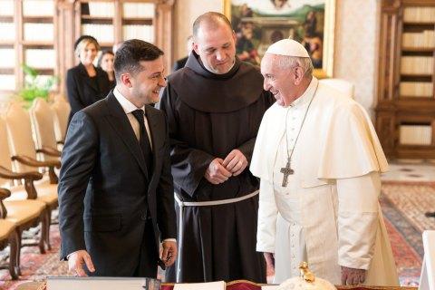 Зеленський зателефонував Папі Римському