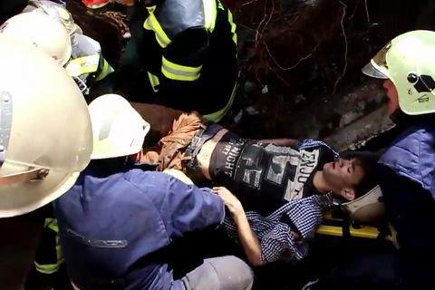 16-річний хлопець потрапив під завали в покинутій будівлі в Києві