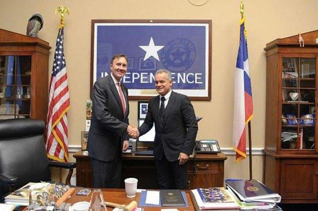 Влад Плахотнюк (справа) во время визита в США