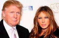 Жена Трампа подала в суд за статьи о своей работе в эскорте