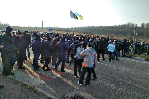 """""""Челноки"""" блокировали пункты пропуска на границе с Польшей"""