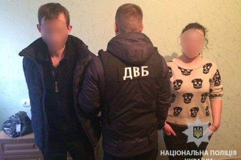 У Вінницькій області трьох поліцейських затримали за підозрою в сутенерстві
