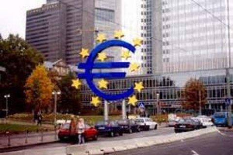 Єврозона входить у найглибшу рецесію зі скороченням економіки на 12,1%