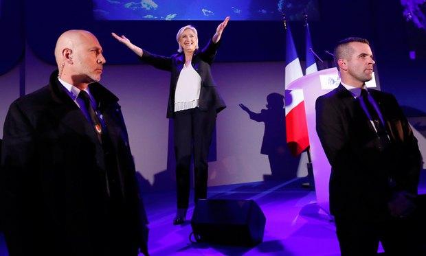 Марин Ле Пен на пресс-конференции
