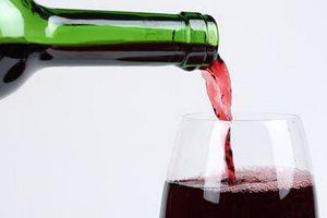 Половину рынка роскоши в России составил алкоголь