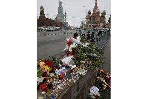 У Кремлі заявили, що не причетні до знищення меморіалу Нємцову