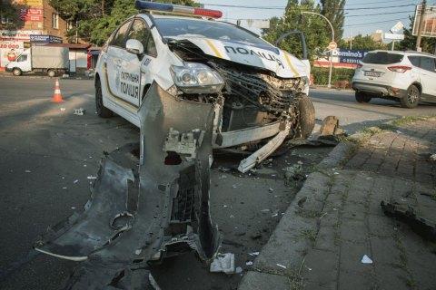 В Киеве патрульный Приус во время погони столкнулся с Фордом