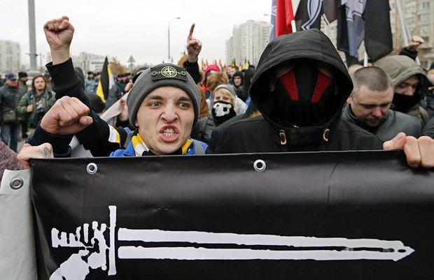 """""""Русский марш"""" националистов в Любино, 2015 год"""
