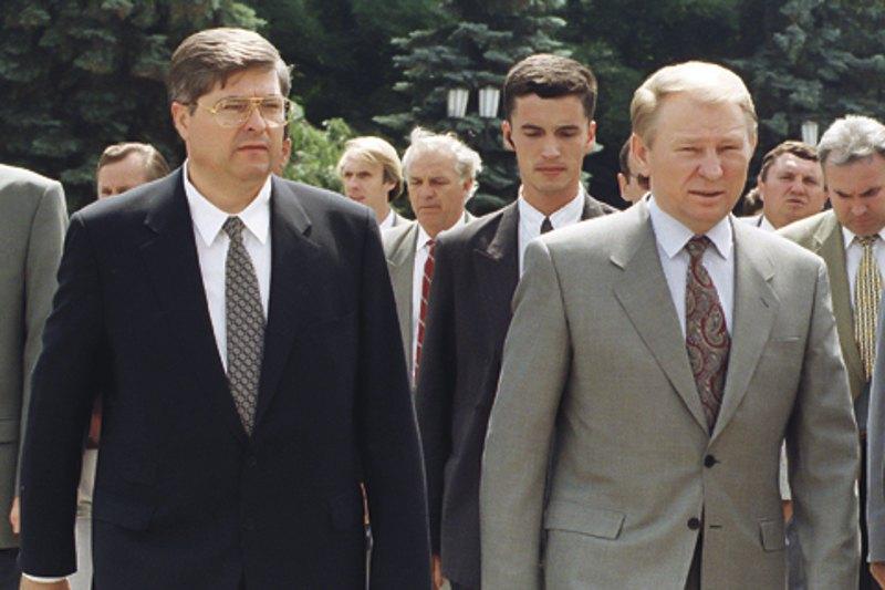 Президент Леонід Кучма та прем'єр-міністр Павло Лазаренко, Київ, 1996 рік