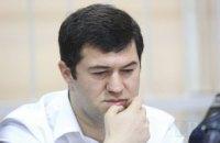 Нардеп Шахов облил водой Насирова в прямом эфире
