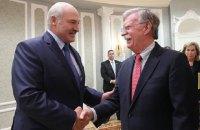 """Лукашенко запропонував почати відносини Білорусі і США """"з чистого аркуша"""""""
