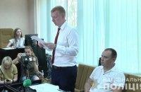 """Чоловіка, підозрюваного в побитті оператора на ринку """"Барабашово"""", суд відправив під домашній арешт"""