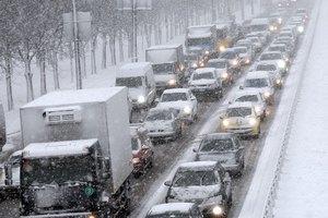 В Киев вернулись огромные пробки из-за снега