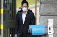 Глава Samsung вийшов з тюрми