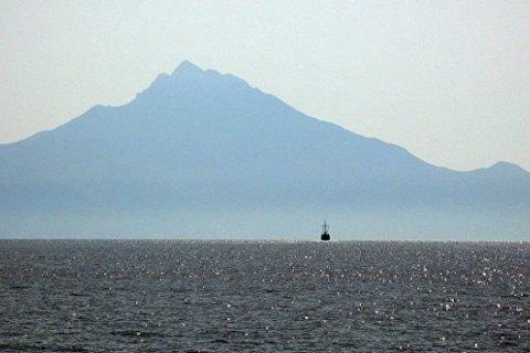У Греції українське судно затримали за контрабанду цигарок