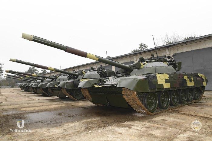 Передача ЗСУ відремонтованих танків на Київському бронетанковому заводі