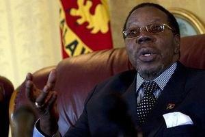 Президента Малави доставили в клинику ЮАР