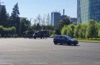 Вертоліт армії США Black Hawk аварійно сів у центрі Бухареста