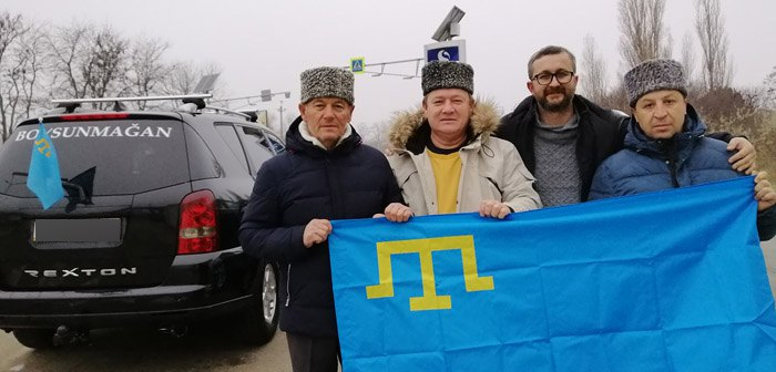 Активисты после возвращения в Крым
