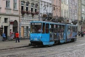 Львову к Евро-2012 подарили два трамвая