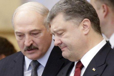 Лукашенко розказав, як переконував Порошенка не виходити з СНД