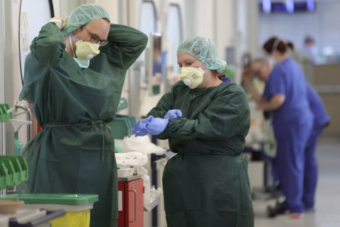 В Германии третьи сутки подряд фиксируют уменьшение новых случаев COVID-19