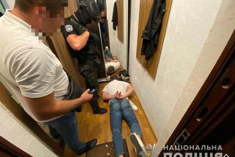 На Закарпатті затримали вимагачів, які шантажували потерпілих пікантними відео за їх участю