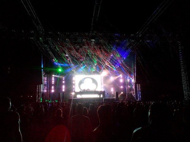 голландцы Noisia подняли настроение ритмичным drum'n'bass