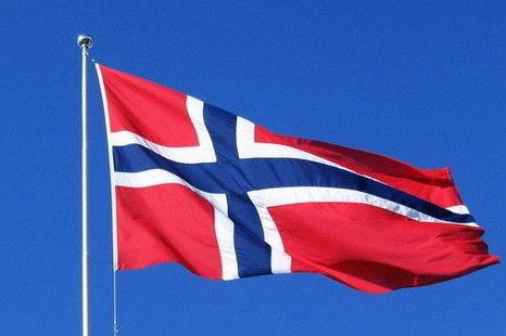 Священникам Норвегии разрешили венчать однополые пары