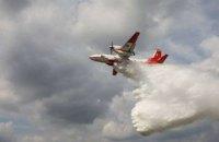 Рятувальники продовжують гасити пожежу на території чотирьох лісництв у Чорнобильській зоні