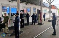 """На Волині викрили посадовців ДПСУ, які допомагали ввозити в Україну """"євробляхи"""""""