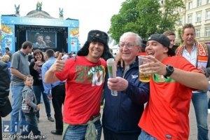 МВС: уболівальниками-іноземцями, які були напідпитку, займаються медики