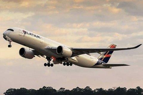 У Південній Америці 11 літаків здійснили екстрену посадку через повідомлення про вибухівку