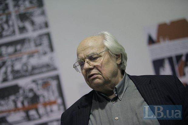 Писатель Иван Драч