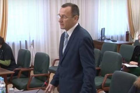 Спійманого на хабарі київського суддю відсторонили від посади