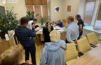 ДБР прийшло з обшуками в КМДА у справі про виділення землі на Хрещатику і Грушевського