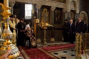 Янукович помолився в Києво-Печерській лаврі