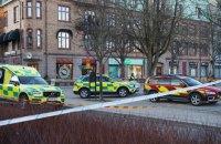 В Швеции мужчина с ножом напал на прохожих, не менее 8 человек ранены