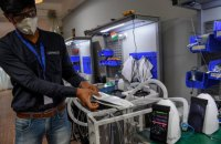 В Индии создали бюджетный портативный аппарат ИВЛ, - СМИ
